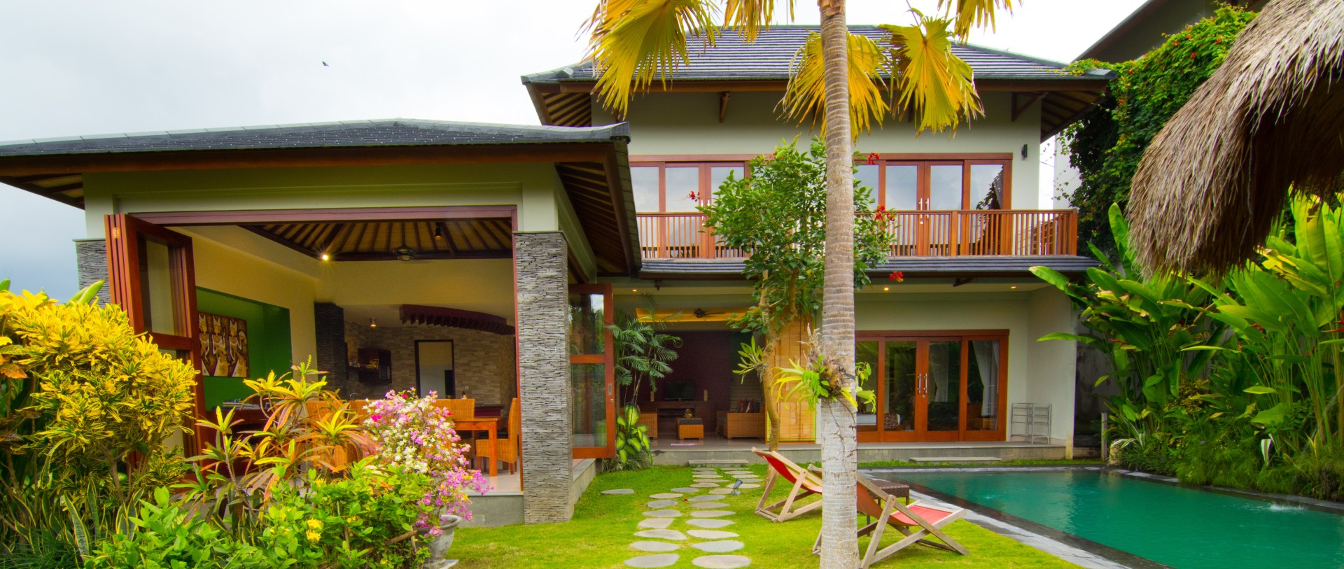 Luxury private villa accommodation in canggu yoma villas for Luxury accommodation bali